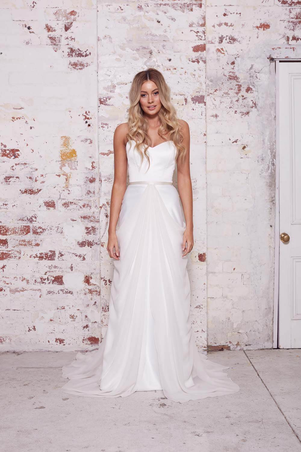 Karen Willis Holmes – Size 10 Two Piece dress | Second hand wedding dresses Hamilton Hill - Size 10
