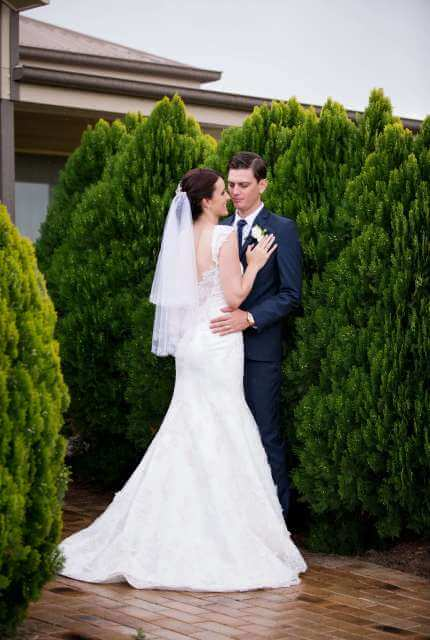 Lace dress – Size 10 Fishtail dress | Second hand wedding dresses Fraser Coast - 5