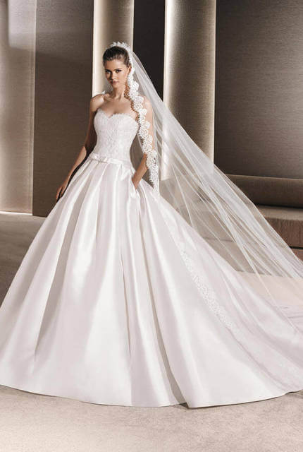 La Sposa – Size 8 Ball Gown dress | Second hand wedding dresses Penrith - 8