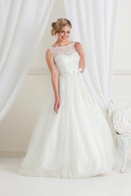 Jean Fox – Size 8 A-Line dress | Second hand wedding dresses Nailsworth - Size 8