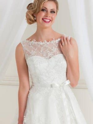 Jean Fox – Size 8 A-Line dress | Second hand wedding dresses Nailsworth - 2