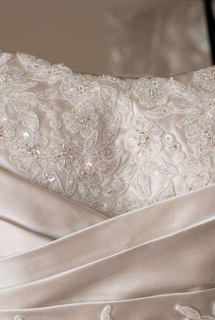 Essense of Australia – Size 10 A-Line dress | Second hand wedding dresses Padbury - 3