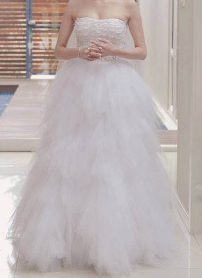 Oscar de la Renta – Size 6 Ball Gown dress | Second hand wedding dresses North Sydney - Size 6