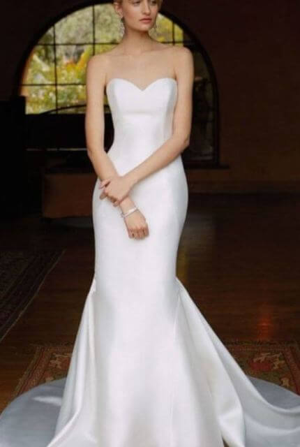 Enzoani – Size 8 Trumpet dress | Second hand wedding dresses Douglas - Size 8