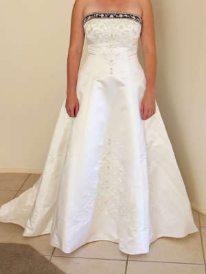 Alfred Angelo – Size 8 A-Line dress | Second hand wedding dresses Dunlop - 2