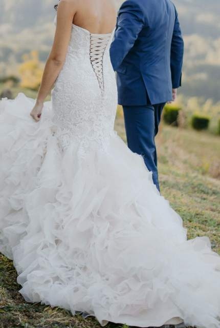 Allure Bridals – Size 10 Fishtail dress | Second hand wedding dresses Nambucca - 2