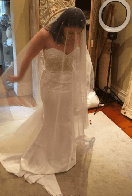Leah Da Gloria – Size 8 Trumpet dress | Second hand wedding dresses Richmond - 5