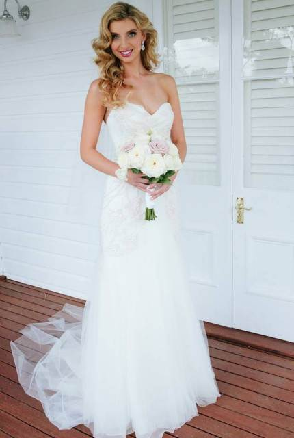 Luci Di Bella – Size 8 Fit and Flare dress   Second hand wedding dresses Prahran - 3