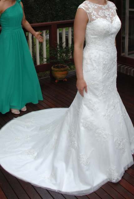 Moir – Size 12 Fit and Flare dress   Second hand wedding dresses Ferntree Gully - 3