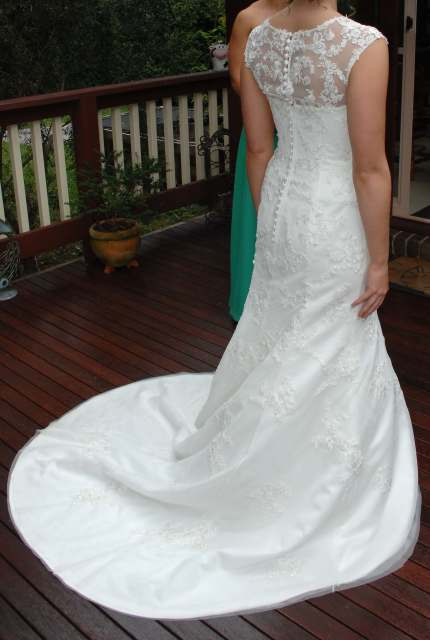 Moir – Size 12 Fit and Flare dress   Second hand wedding dresses Ferntree Gully - 4