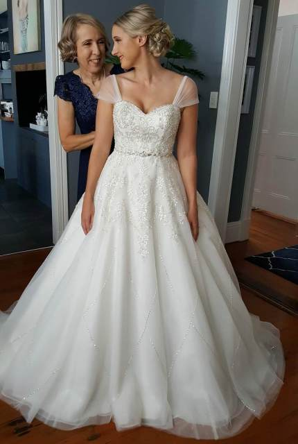 Alfred Angelo – Size 10 A-Line dress   Second hand wedding dresses Springfield Lakes - Size 10