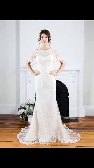 Peter Trends – Size 8 Vintage dress | Second hand wedding dresses Cranbourne East - 2