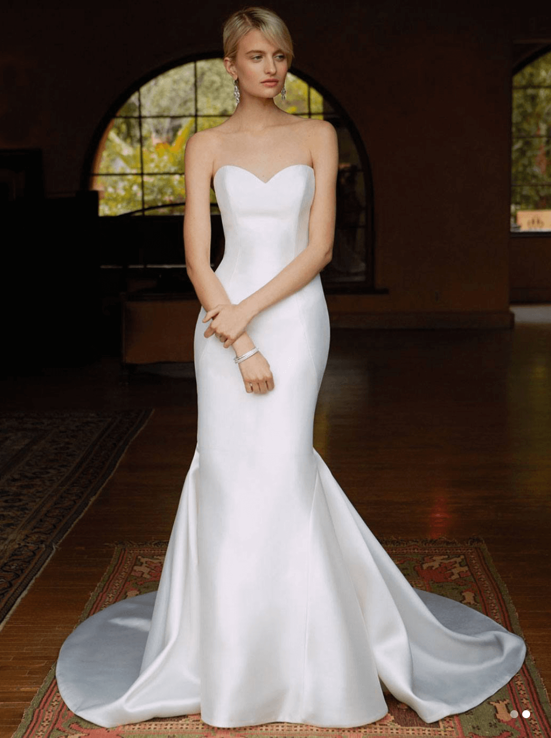 Enzoani – Size 6 Trumpet dress | Second hand wedding dresses Windsor - Size 6