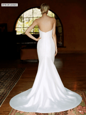 Enzoani – Size 6 Trumpet dress | Second hand wedding dresses Windsor - 2