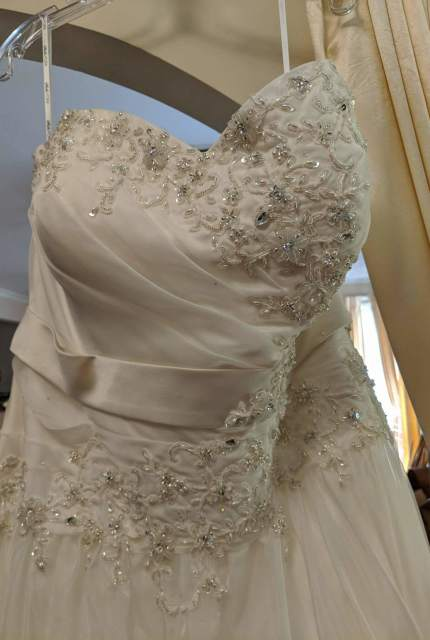 Stella York – Size 22 A-Line dress | Second hand wedding dresses Christie Beach - 2