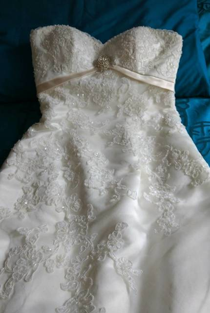 Cizzy Bridal – Size 10 A-Line dress | Second hand wedding dresses Brookfield Melton - 2