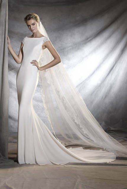 Pronovias – Size 6 Fishtail dress | Second hand wedding dresses Upper Ferntree Gully - 3