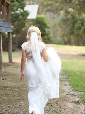 Pronovias – Size 6 Fishtail dress | Second hand wedding dresses Upper Ferntree Gully - 6