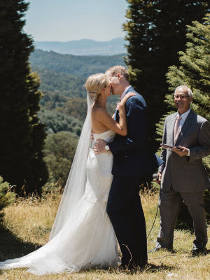 Karen Willis Holmes – Size 6 Fit and Flare dress | Second hand wedding dresses Tecoma - 5