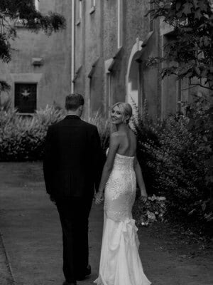 Karen Willis Holmes – Size 6 Fit and Flare dress | Second hand wedding dresses Tecoma - 7