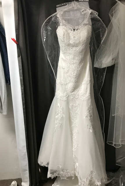 Mia Solano – Size 14 Trumpet dress | Second hand wedding dresses Beverly Hills - 5