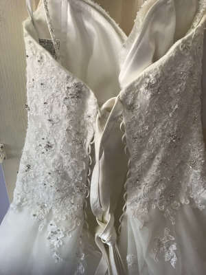 Sophia Tolli – Size 12 A-Line dress | Second hand wedding dresses Crestmead - 6