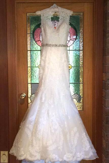 Allure Bridals – Size 8 Fishtail dress | Second hand wedding dresses Travancore - 3