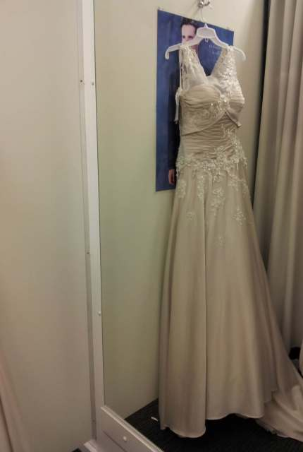 Jean Fox – Size 8 A-Line dress | Second hand wedding dresses Speers Point - 2