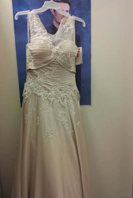Jean Fox – Size 8 A-Line dress | Second hand wedding dresses Speers Point - 13