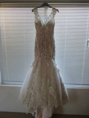 Bridal Chic – Size 6 Trumpet dress | Second hand wedding dresses Banksia Grove - 8