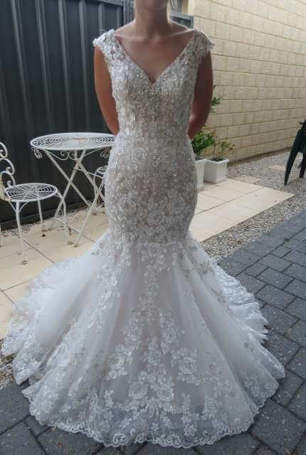 Bridal Chic – Size 6 Trumpet dress | Second hand wedding dresses Banksia Grove - Size 6