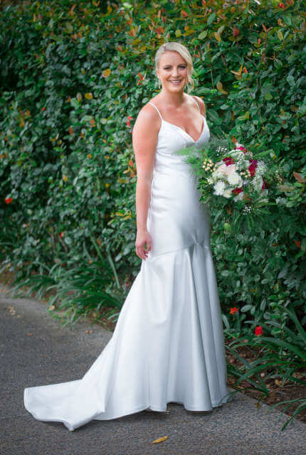 Karen Willis Holmes – Size 10 Fit and Flare dress | Second hand wedding dresses Montrose - 3