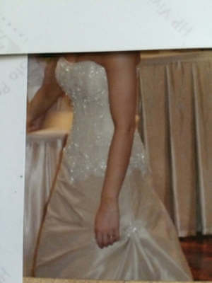 Maggie Sottero – Size 6 Fit and Flare dress | Second hand wedding dresses Kilsyth - 3
