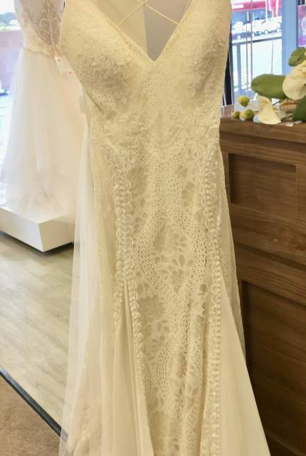 Allure Bridals – Size 12 Sheath dress | Second hand wedding dresses Blackburn North - 4