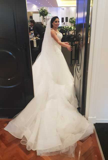 Annette of Melbourne – Size 6 A-Line dress | Second hand wedding dresses Lalor - Size 6