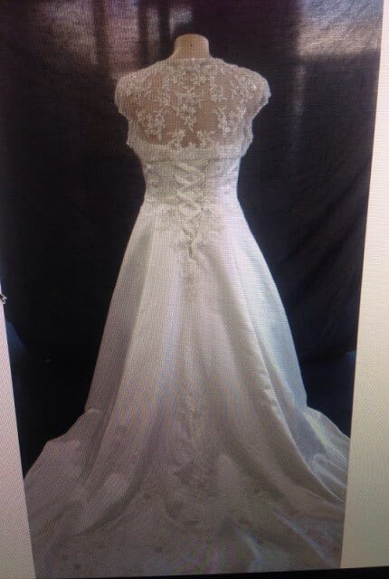 Mark Lesley – Size 18 Strapless dress | Second hand wedding dresses GLEN WAVERLEY - 5