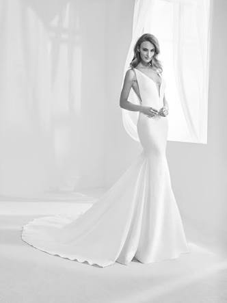 Pronovias – Size 8 Fit and Flare dress | Second hand wedding dresses Ferntree Gully - Size 8