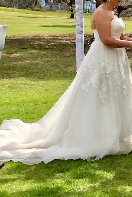 Bespoke / Other – Size 16 A-Line dress   Second hand wedding dresses Lithgow - 3