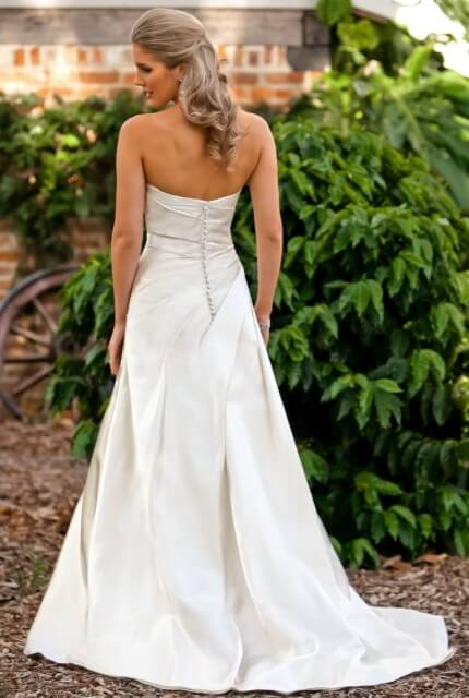 Halo Bridal – Size 12 A-Line dress | Second hand wedding dresses North Epping - 2