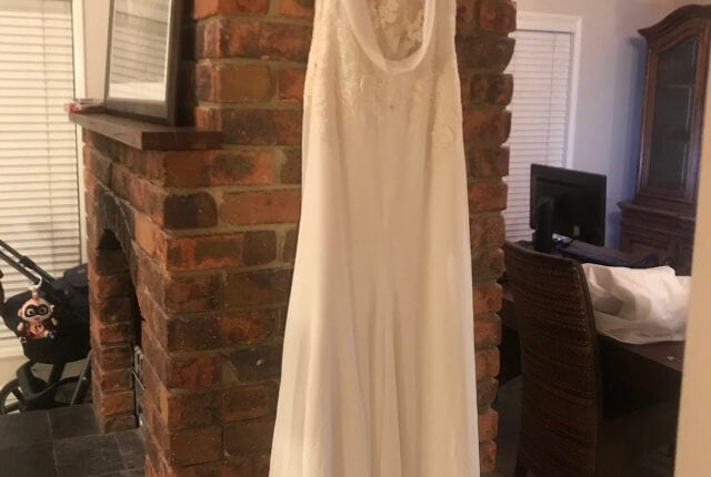 Pronovias – Size 14 Fit and Flare dress | Second hand wedding dresses Tamborine - 4