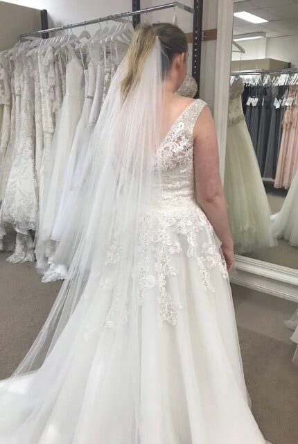 Allure Bridals – Size 16 A-Line dress | Second hand wedding dresses Kedron - 4