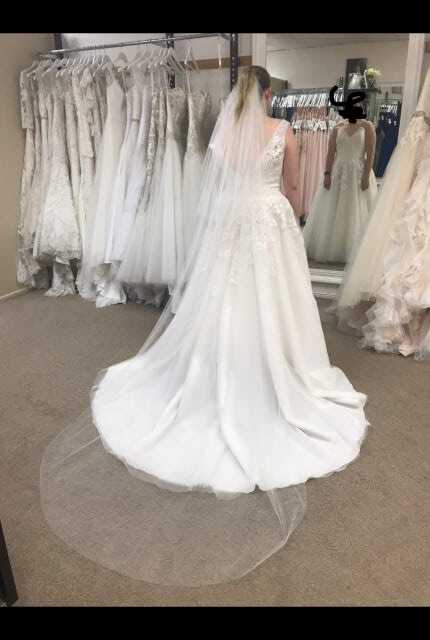 Allure Bridals – Size 16 A-Line dress | Second hand wedding dresses Kedron - 3