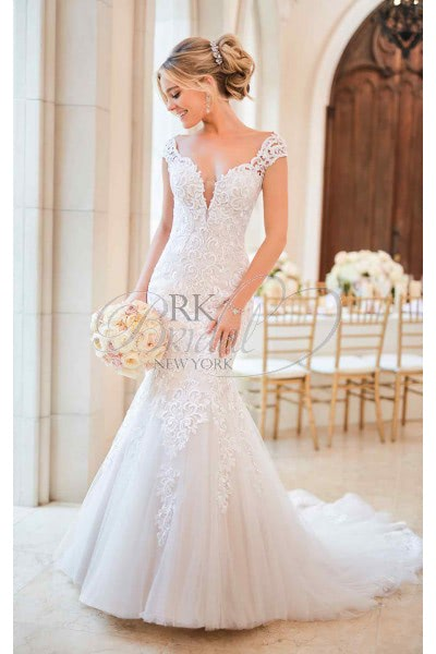 Stella York – Size 10 Fit and Flare dress | Second hand wedding dresses Maidstone - Size 10