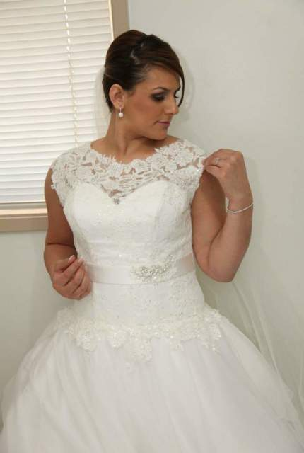 True Love Bridal – Size 14 Ball Gown dress | Second hand wedding dresses Earlwood - 2