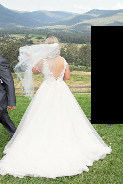 Allure Bridals – Size 10 Ball Gown dress | Second hand wedding dresses Cranbourne west - 5
