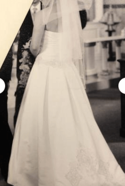 Oleg Cassini – Size 8 Ball Gown dress | Second hand wedding dresses WALKLEY HEIGHTS - Size 8