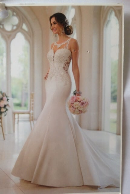 Stella York – Size 10 Fit and Flare dress | Second hand wedding dresses KEILOR EAST - Size 10