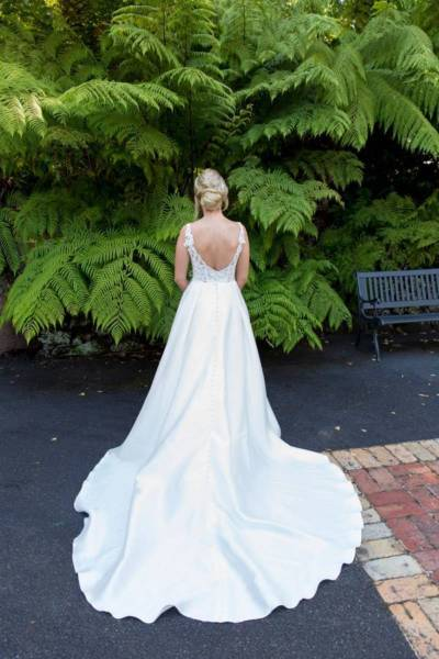 Stella York – Size 6 A-Line dress | Second hand wedding dresses Hughesdale - 6