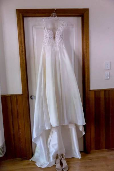 Stella York – Size 6 A-Line dress | Second hand wedding dresses Hughesdale - 7