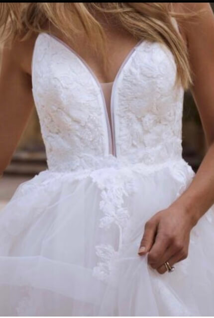 Bespoke / Other – Size 8 Ball Gown dress   Second hand wedding dresses Upper Kedron - Size 8